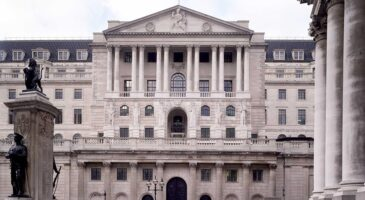 Bank of England urges co-operation on clearing