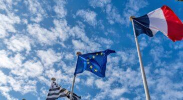 France backs looser EU debt rules